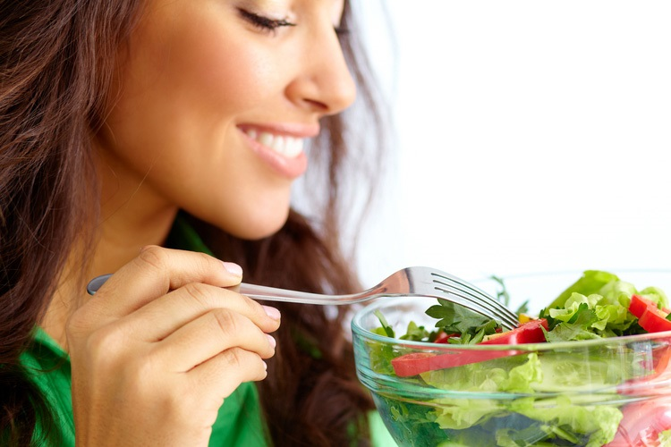 Alimentos para mejorar tu cabello y que esté sano y fuerte