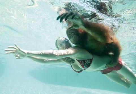 Es verdad que todos los mamíferos nacen sabiendo nadar